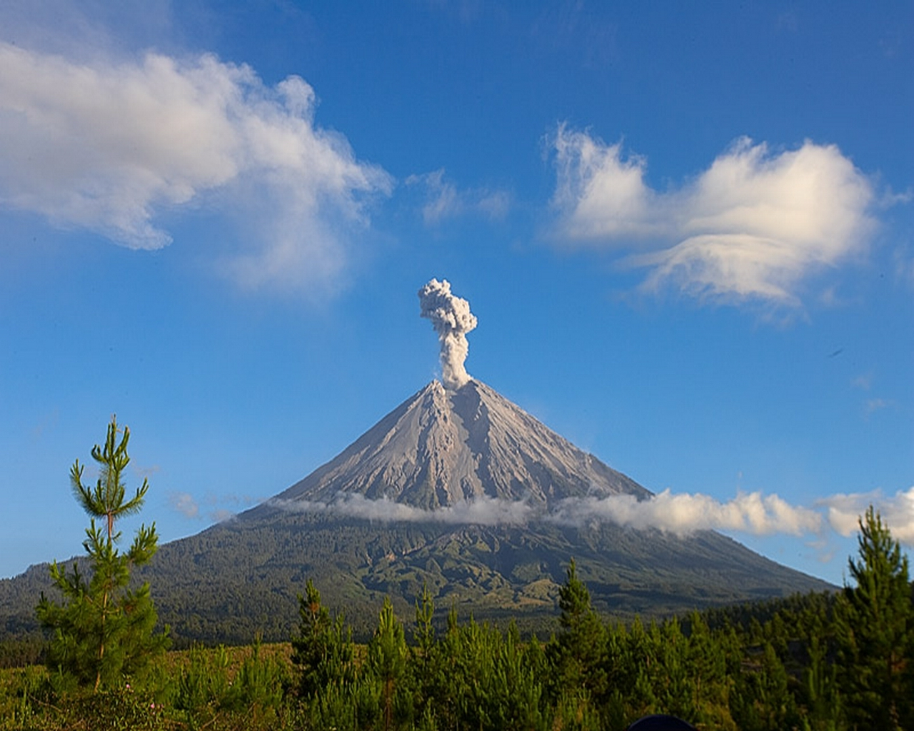 Volcan actif Semeru